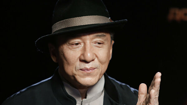 Джеки Чан пообещал миллион юаней создателю лекарства от коронавируса