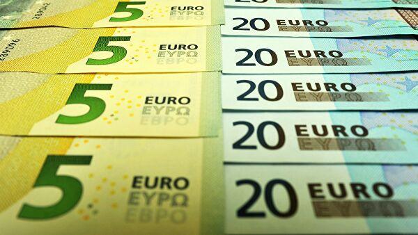 Официальный курс евро на четверг вырос на 78 копеек