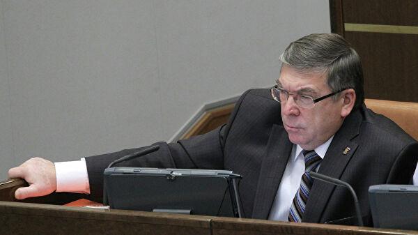 """Сенатор назвал идею о """"новогоднем капитале"""" для пенсионеров утопией"""