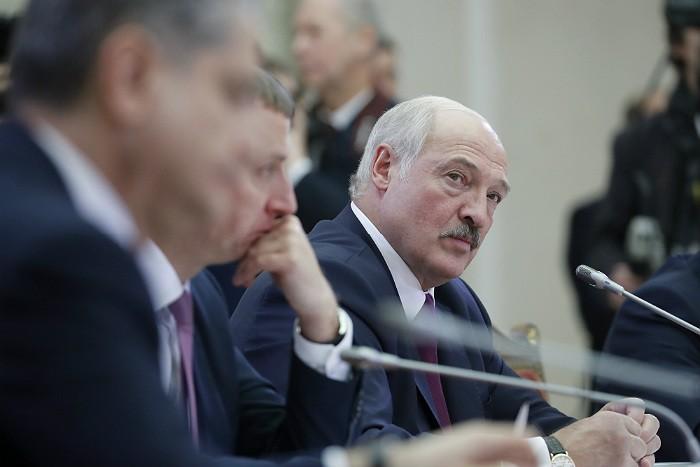 Лукашенко одобрил изменение межправсоглашения с РФ о ценах на газ