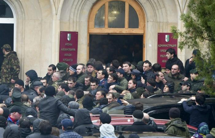 В Абхазии завели дело о массовых беспорядках