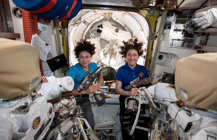 Дуэт женщин-астронавтов во второй раз в истории вышел в открытый космос с борта МКС