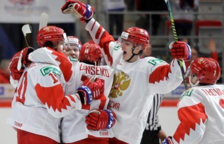 Россия победила Швейцарию и вышла в полуфинал молодежного ЧМ