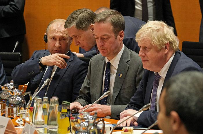 Британский премьер на встрече с Путиным предупредил о проблемах в отношениях стран
