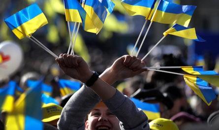 Более двух третей украинцев сочли Россию враждебной страной