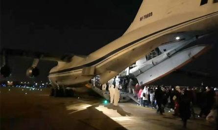 Из Уханя вылетел первый военный самолет с россиянами на борту