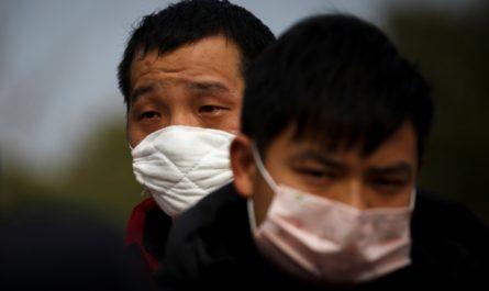 Более 50 человек умерли от коронавируса в провинции Хубэй за сутки