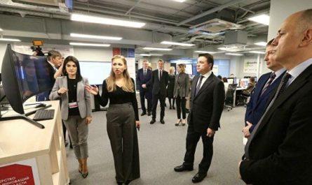 Андрей Воробьев проверил работу подмосковного Центра поддержки бизнеса