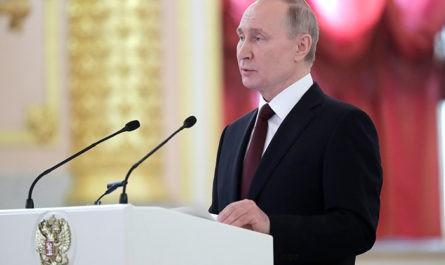Путин предупредил, что человечество вновь оказалось у опасной черты