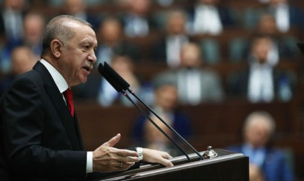 """Эрдоган пригрозил """"в любой момент"""" начать военную операцию в Идлибе"""