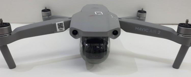 Ряд схем из руководства DJI Mavic Air 2 и дополнительные детали об этом дроне