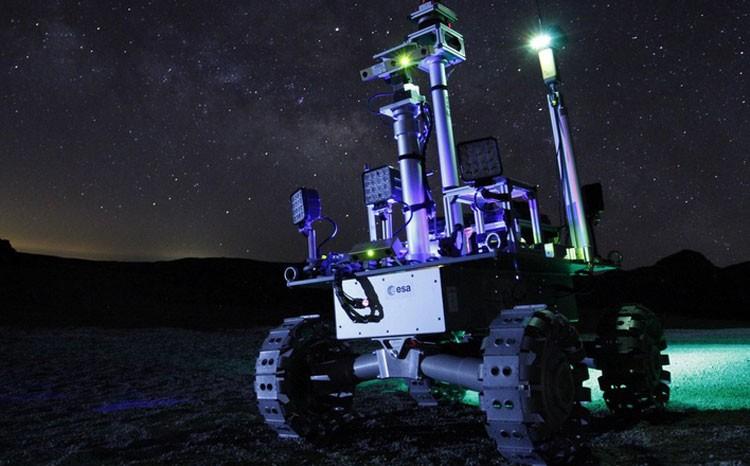 Европейцы разрабатывают лунный ровер на лазерном питании для работы в кромешной тьме