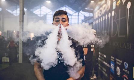 Вейперы заражются коронавирусом чаще курильщиков