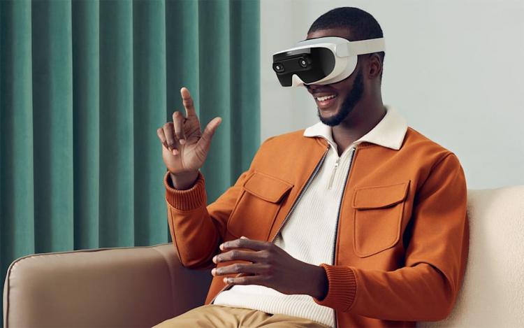 Прежний глава HTC представил социальную VR-гарнитуру XRSpace Mova с поддержкой 5G