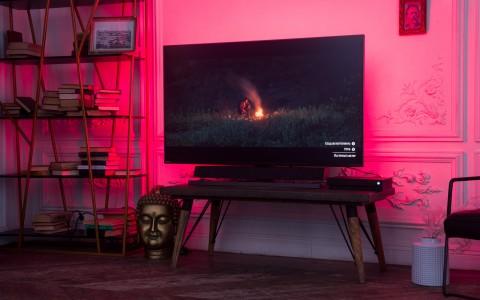 Обзор Philips Momentum 558M1RY: большой игровой… телевизор?