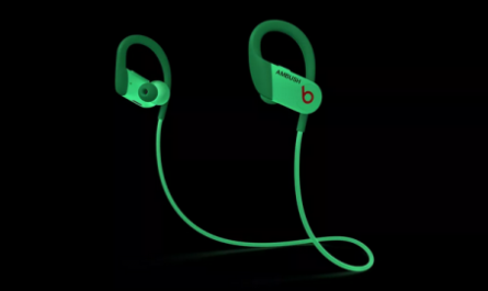 Beats представила специальную версию Bluetooth-наушников Powerbeats
