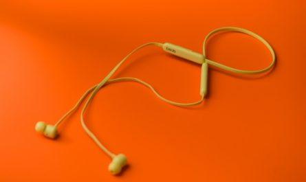 Беспроводные наушники Beats FLEX: на связи с музыкой