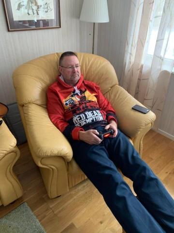 Геймер-пенсионер прошёл Read Dead Redemption II. Целых 30 раз
