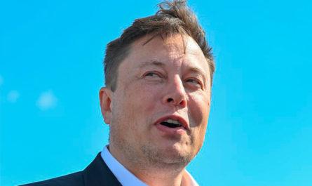 Илон Маск вошёл в тройку самых богатых людей. Основатель Tesla обогнал создателя Facebook