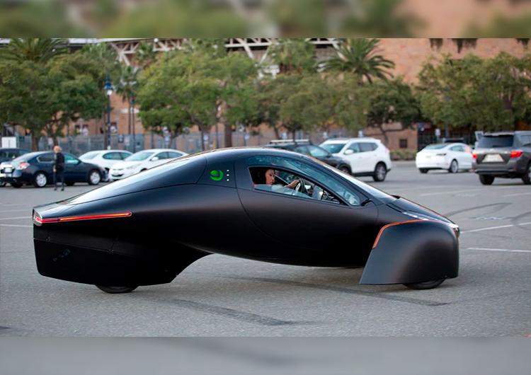 Анонсирован электромобиль на солнечных батареях, который не нуждается в зарядке