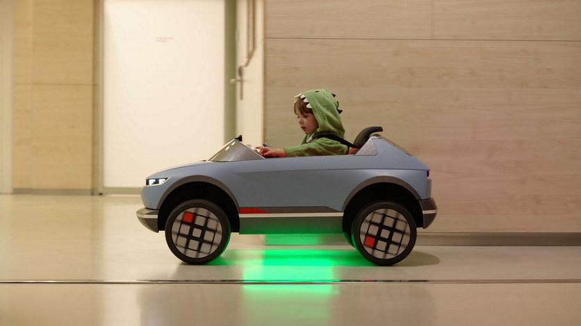 Hyundai показала в действии больничный детский электрокар с ИИ [ВИДЕО]