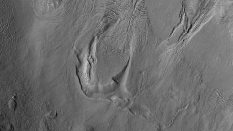 На Марсе найдено огромное скрытое ледяное озеро