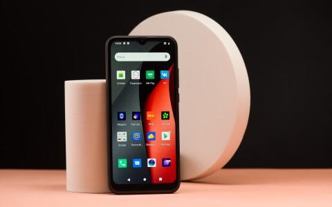 Обзор BQ Magic L: антикризисный смартфон