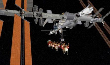 Санта-Клауса заметили возле МКС и на Чукотке