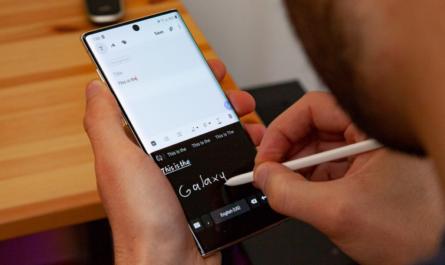 Складные смартфоны и новые камеры. Samsung рассказала о планах на следующий год