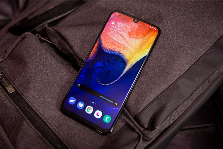 FCC выдала сертификат для нового бюджетного смартфона Samsung с аккумулятором 7000 мА·ч