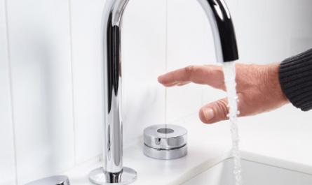 Kohler выпустила умную «антистрессовую» ванну с голосовым управлением за $16 000