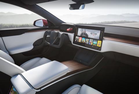 Новая Tesla S сможет запускать The Witcher 3: Wild Hunt и Cyberpunk 2077