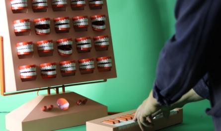 Шведский художник создал синтезатор из кричащих челюстей