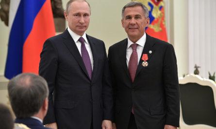 Путин поручил упростить привлечение мигрантов на стройки. Об этом просил Минниханов