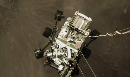 Марсоход Perseverance прислал на Землю первые цветные снимки