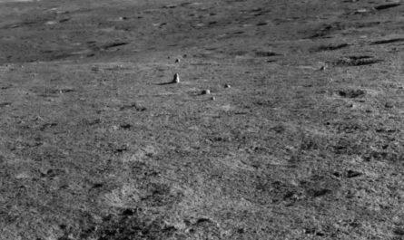 На тёмной стороне Луны обнаружен загадочный монолит