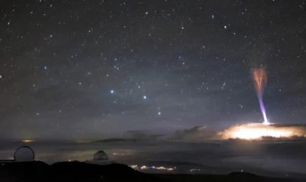 Над гавайским небом сделали снимок двух редких молний