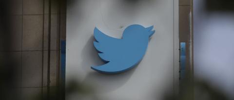 Роскомнадзор замедлил Twitter, а с ним и сотни сайтов. Почему так вышло?