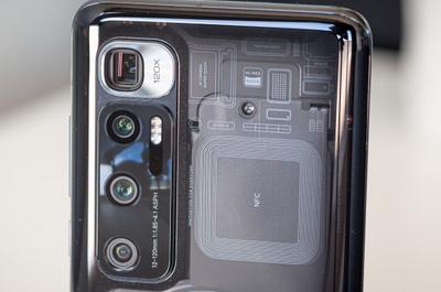 Улучшенный Xiaomi Mi10 с прокачанной акустикой на качественных фото