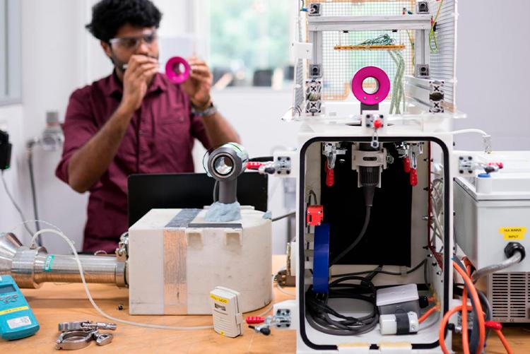 Dyson расширит штат исследователей и инвестирует в создание новых технологий 2,75 млрд фунтов