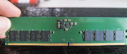 Модули памяти DDR5: первые фото и технические характеристики