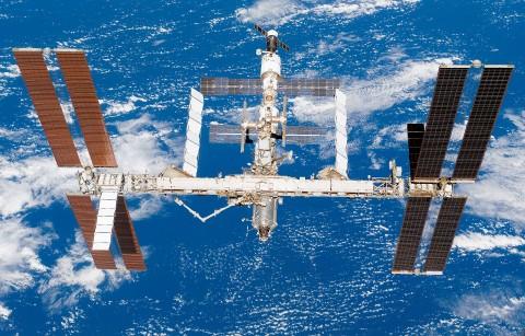 Россия уйдёт с МКС и построит свою станцию с ядерным реактором