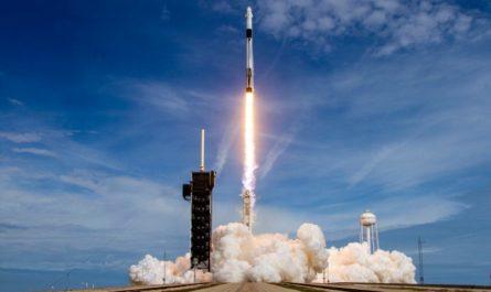SpaceX впервые повторно запустила пилотируемый корабль к МКС [ВИДЕО]