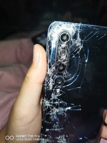 Xiaomi Mi10 прошёл тест на прочность автобусом [ФОТО]
