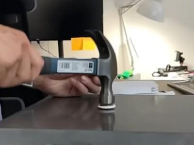 Apple AirTag испытали на прочность с помощью молотка [ВИДЕО]