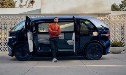 Футуристический фургон Canoo Lifestyle оценили в 2,5 миллиона рублей