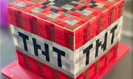 Отец сделал необычный подарок сыну — фанату Minecraft