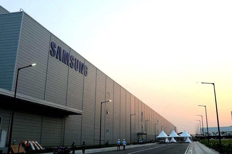 Samsung разработает дисплей AMOLED с плотностью пикселей 1000 ppi