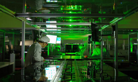 В Южной Корее запустили самый мощный в мире лазер, который поможет раскрыть множество загадок физики