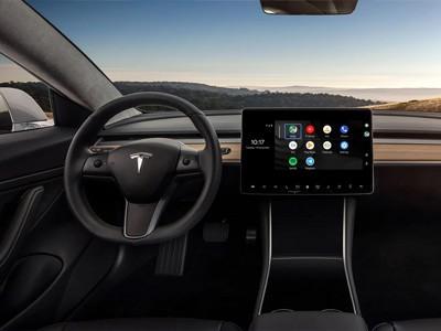 Android Auto впервые запустили на электрокаре Tesla